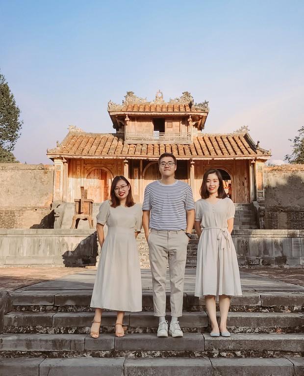 """Hội bạn thân nhà người ta: mỗi năm chỉ gặp nhau 1 lần, sau 17 năm cho ra đời bộ ảnh ở Huế vừa thơ vừa """"lạ"""" trông như chụp ở Hàn Quốc - Ảnh 9."""
