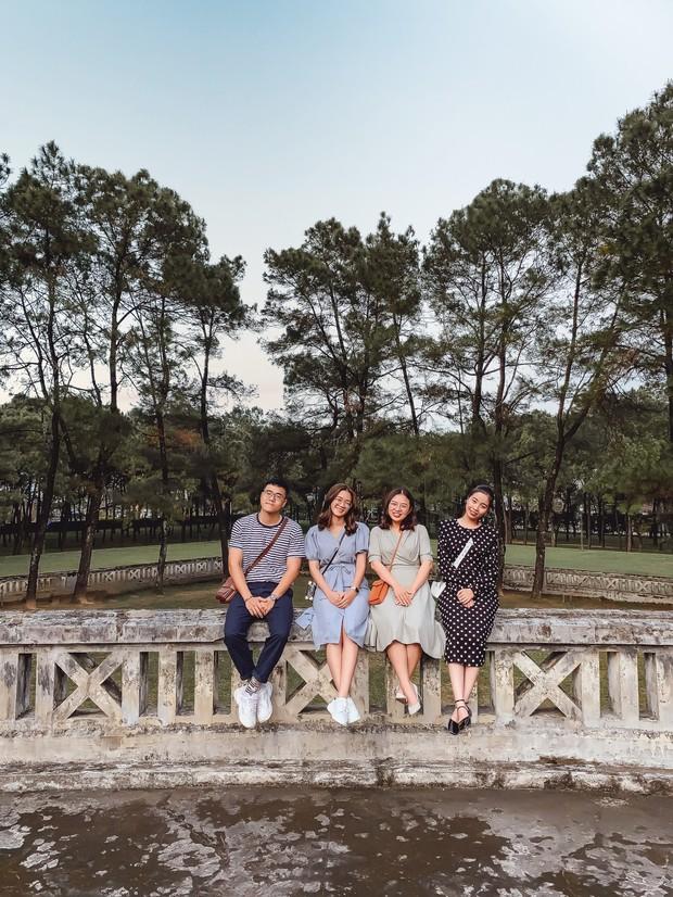 """Hội bạn thân nhà người ta: mỗi năm chỉ gặp nhau 1 lần, sau 17 năm cho ra đời bộ ảnh ở Huế vừa thơ vừa """"lạ"""" trông như chụp ở Hàn Quốc - Ảnh 8."""