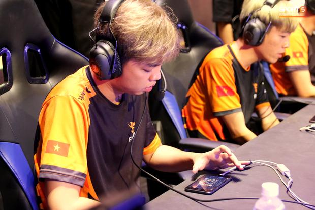 ADC: Từ khả năng cá nhân đến tinh thần thi đấu, cái gì Team Flash cũng hơn ZD Esports - Ảnh 3.