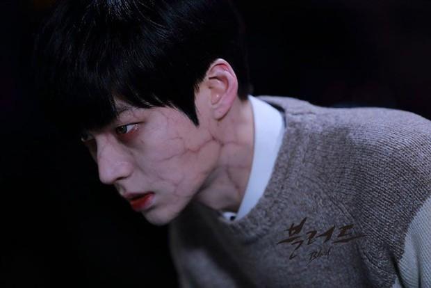 Nhìn lại Blood - bộ phim dở thảm họa đã se duyên cho cặp chị em Goo Hye Sun và Ahn Jae Hyun - Ảnh 4.