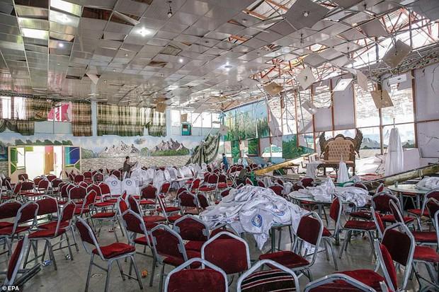 Ám ảnh hiện trường vụ đánh bom đám cưới ở Afghanistan, 63 người chết - Ảnh 11.