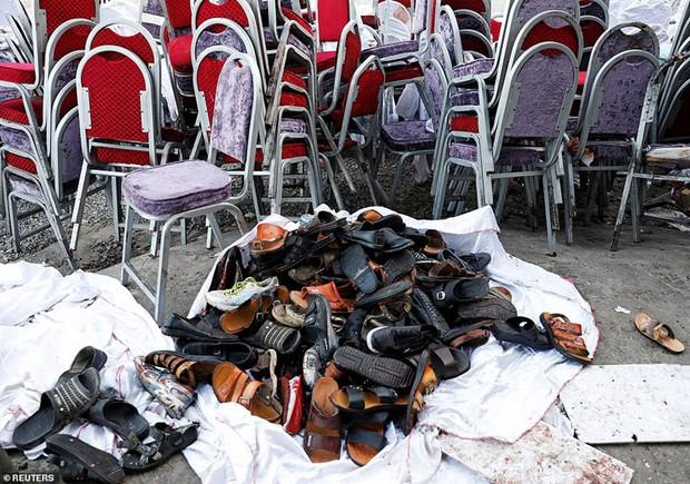Ám ảnh hiện trường vụ đánh bom đám cưới ở Afghanistan, 63 người chết - Ảnh 3.