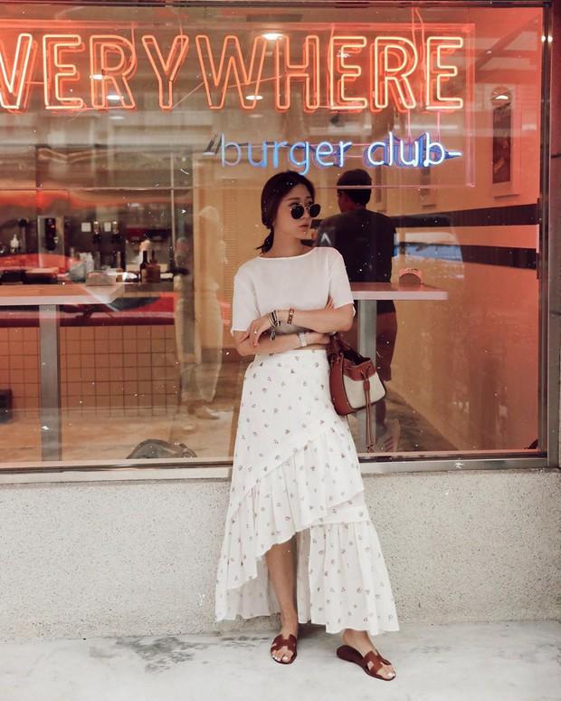 Chân váy dài chắc suất trong danh sách những item hot nhất mùa thu 2019 và 3 cách diện không lo dìm dáng - Ảnh 10.