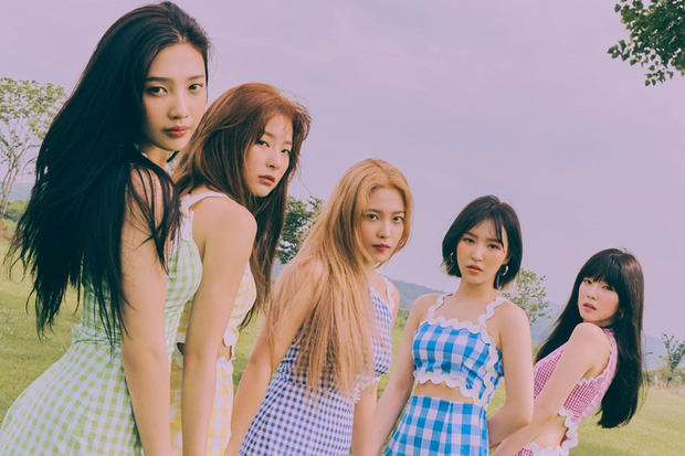Ơn trời, cuối cùng cũng được thấy một Red Velvet mà fan mong chờ: Visual lên hương, concept tươi mới và đầy khả quan - Ảnh 1.
