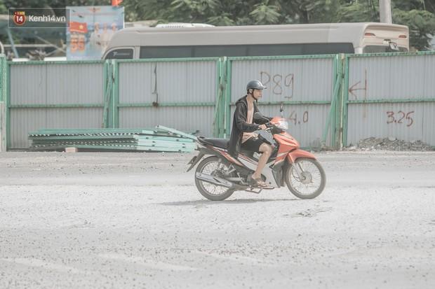 Những đại công trường biến đường phố Hà Nội ngập trong sương bụi - Ảnh 5.