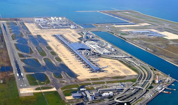 Cứ tưởng chỉ có ở trong phim, nhưng Nhật Bản thực sự có một siêu sân bay nổi trên mặt biển với số tiền đầu tư lên đến 20 tỷ đô - Ảnh 2.