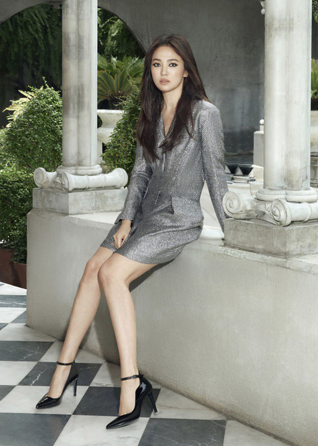 Song Hye Kyo lần đầu tung bộ ảnh hậu ly hôn: Quyền lực, lột xác cá tính lạ thường nhưng lại bất ngờ bị netizen chê - Ảnh 5.