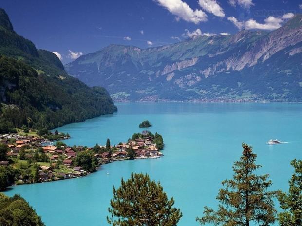 Đoạn clip quay vội tại Thụy Sĩ hot rần rần với gần 3 triệu view, xem xong cứ ngẩn ngơ vì không biết đây là mơ hay thật - Ảnh 2.