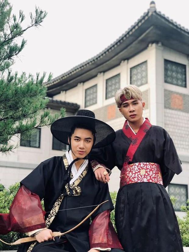 Độc quyền: Không chỉ trên sân khấu, Jack và K-ICM bình thường cũng liên tục diện đồ đôi, có nhiều cử chỉ cực thân thiết tại Hàn Quốc - Ảnh 9.