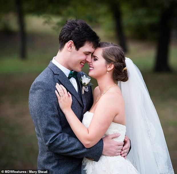 Vì mắc hội chứng co thắt âm đạo nên cô gái này không thể quan hệ với chồng mình suốt nhiều năm trời - Ảnh 1.