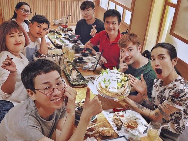 Hải Triều được chị gái Sò Lụa BB Trần cùng ekip tổ chức sinh nhật hoành tráng trong ngày sinh nhật - Ảnh 1.