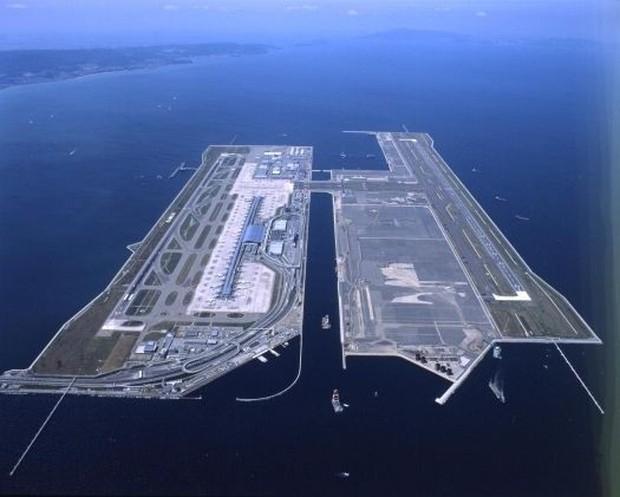 Cứ tưởng chỉ có ở trong phim, nhưng Nhật Bản thực sự có một siêu sân bay nổi trên mặt biển với số tiền đầu tư lên đến 20 tỷ đô - Ảnh 1.