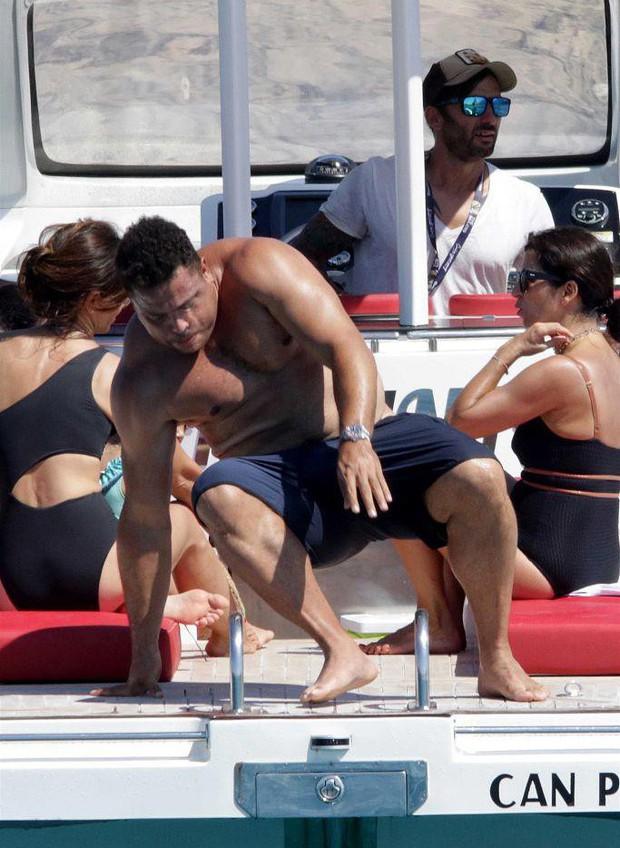 Lâu không lên sóng, Ronaldo béo khiến dân tình ngỡ ngàng bởi vòng 2 quá khổ và căn bệnh này là nguyên nhân đằng sau - Ảnh 6.