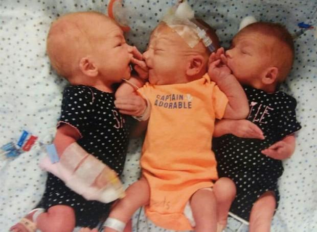 Nhập viện vì sỏi thận, người phụ nữ không ngờ mình được chuyển vào phòng mổ để... sinh 3 - Ảnh 3.