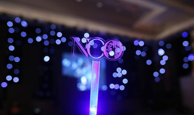 Chẳng thua kém gì các idol Hàn Quốc, ca sĩ Việt cũng sở hữu những lightstick độc đáo khiến FC phổng mũi tự hào - Ảnh 21.