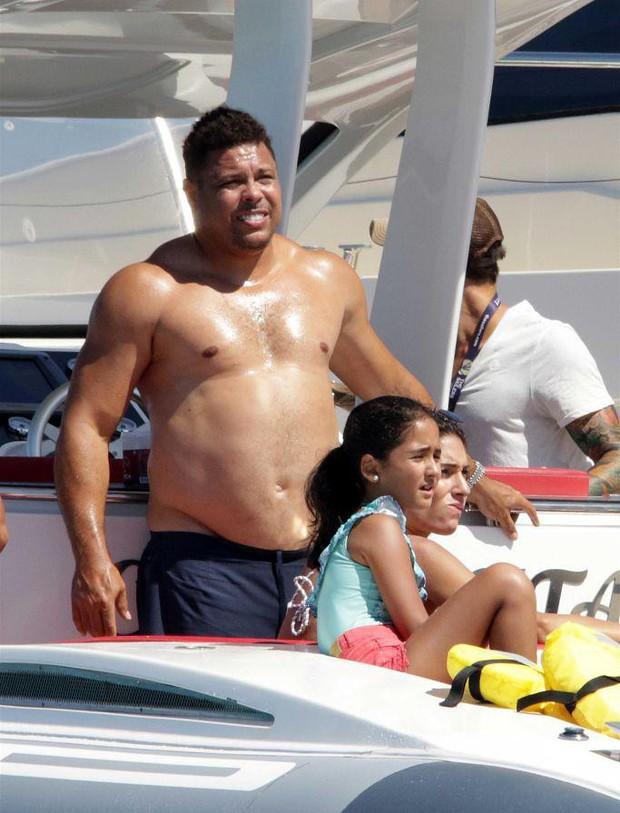 Lâu không lên sóng, Ronaldo béo khiến dân tình ngỡ ngàng bởi vòng 2 quá khổ và căn bệnh này là nguyên nhân đằng sau - Ảnh 4.