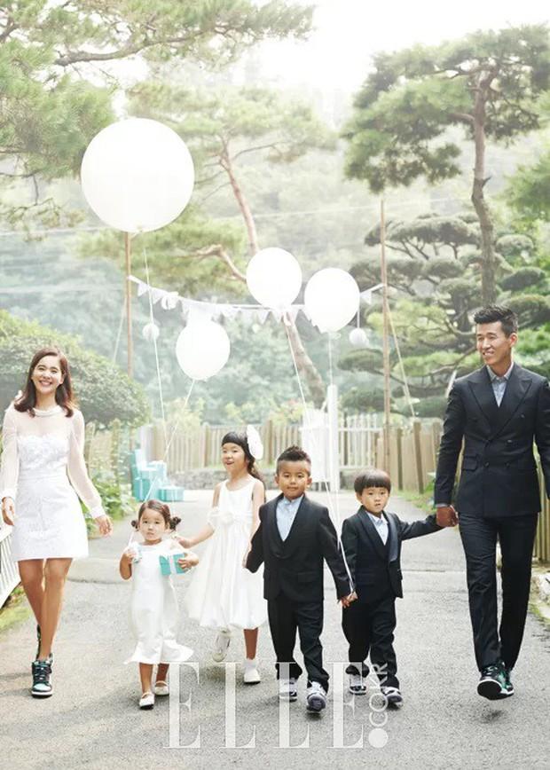 Sau 2 vụ ly hôn gây sốc, có 6 cặp vợ chồng sao vẫn khiến fan tin vào tình yêu: Choáng với số con nhỏ trong gia đình! - Ảnh 12.