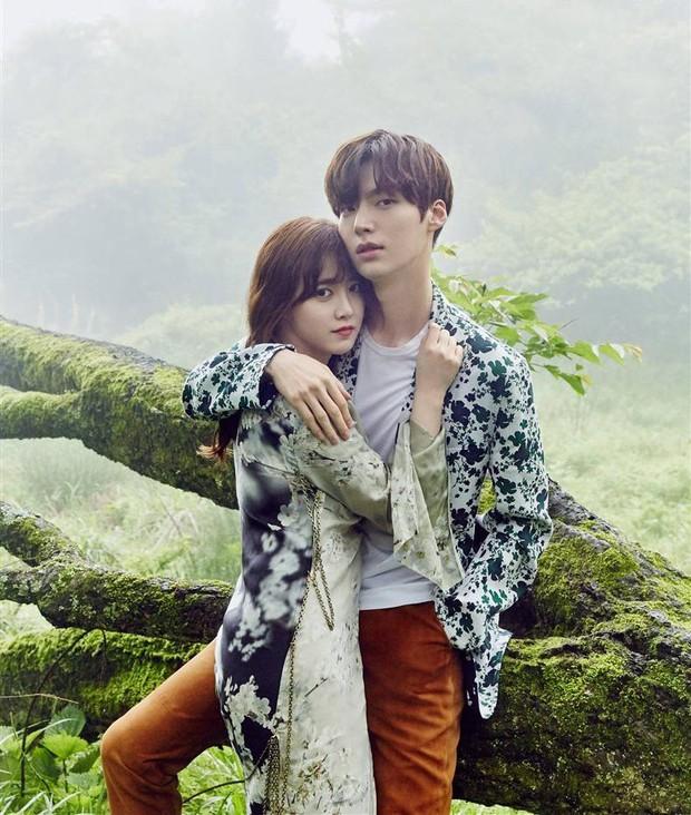 5 điểm bất thường trong vụ ly hôn chấn động của Goo Hye Sun: Từ lời ám chỉ, ảnh cắm sừng đến động thái của Ahn Jae Hyun - Ảnh 15.