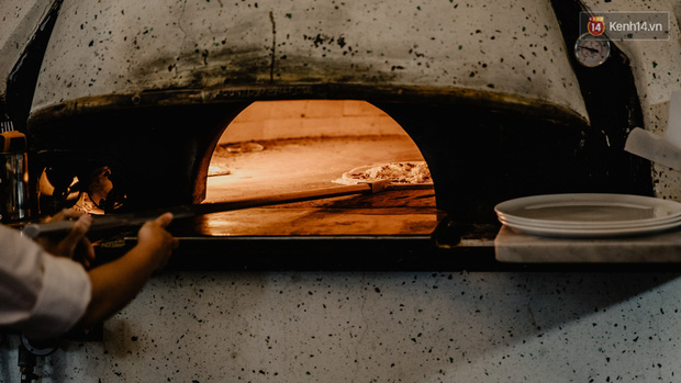 Lấy hết can đảm ăn một miếng pizza cơm tấm sườn bì trứng đang hot rần rần của Pizza 4Ps: Tưởng không ngon ai ngờ ngon không tưởng! - Ảnh 3.