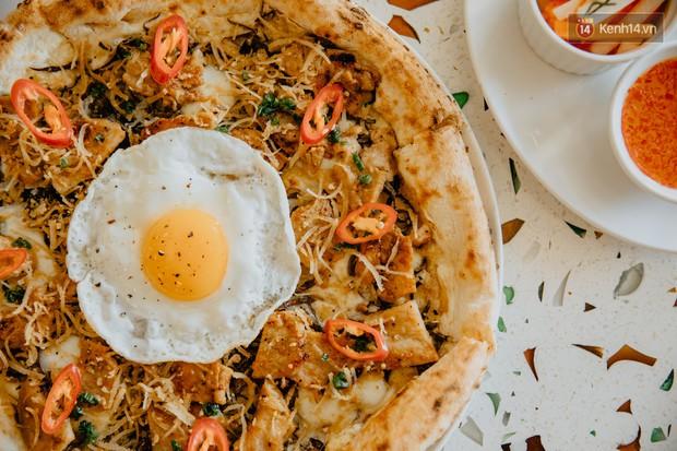 Lấy hết can đảm ăn một miếng pizza cơm tấm sườn bì trứng đang hot rần rần của Pizza 4Ps: Tưởng không ngon ai ngờ ngon không tưởng! - Ảnh 7.
