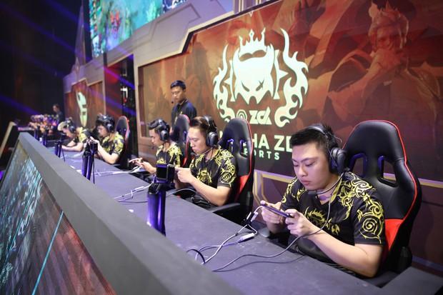 Địa chấn: Nhà vô địch thế giới Team Flash thất bại cay đắng, đánh rơi chiếc vé dự SEA Games vào chính tay đối thủ truyền kiếp ZD Esports - Ảnh 1.