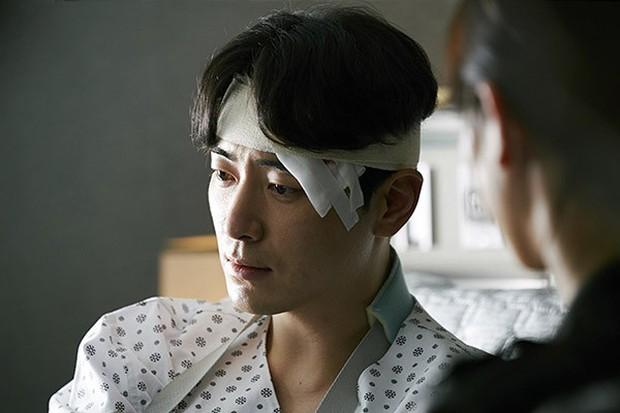 6 cảnh chấn động của Lee Joon Hyuk ở Tổng Thống 60 Ngày: Con tàu chỉ có một thuyền trưởng, tôi là người đó! - Ảnh 5.