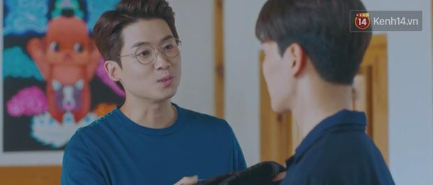 Tấu hài như Hotel Del Luna: CEO IU ngày càng lầy lội, BTS bất ngờ làm cameo tại khách sạn ma quái? - Ảnh 12.