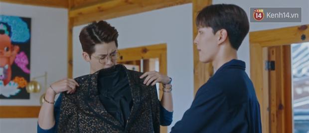 Tấu hài như Hotel Del Luna: CEO IU ngày càng lầy lội, BTS bất ngờ làm cameo tại khách sạn ma quái? - Ảnh 13.