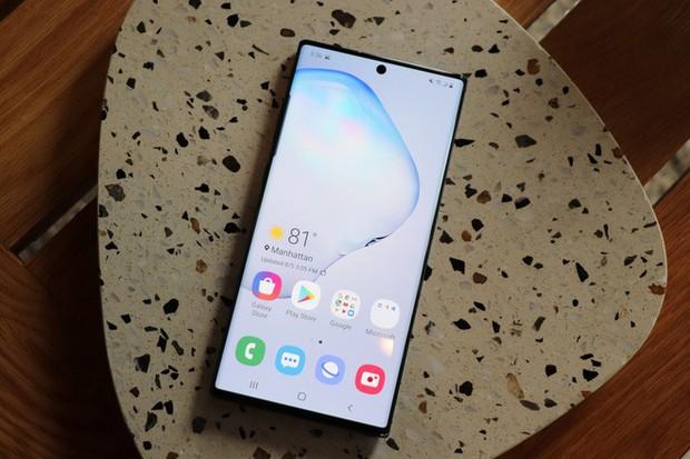 Bán hết công nghệ hàng đầu cho các đối thủ, Samsung có phải kẻ hào phóng nhất ngành smartphone? - Ảnh 1.
