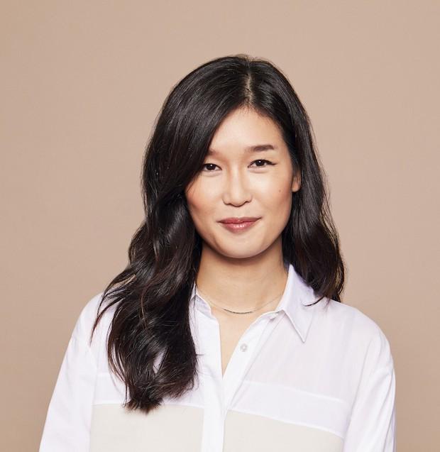 Hai chuyên gia gốc Hàn này sở hữu làn da siêu căng mịn và 5 bí kíp skincare bạn nên học hỏi ngay từ họ - Ảnh 1.