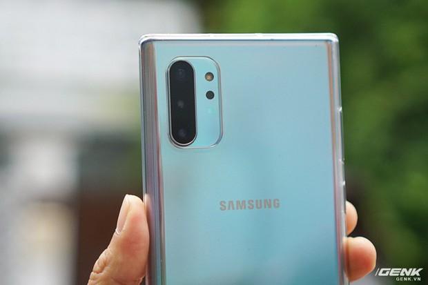 Mở hộp Galaxy Note10+ màu Ánh Cực Quang xem có gì mới mà dân tình trầm trồ đến vậy - Ảnh 16.