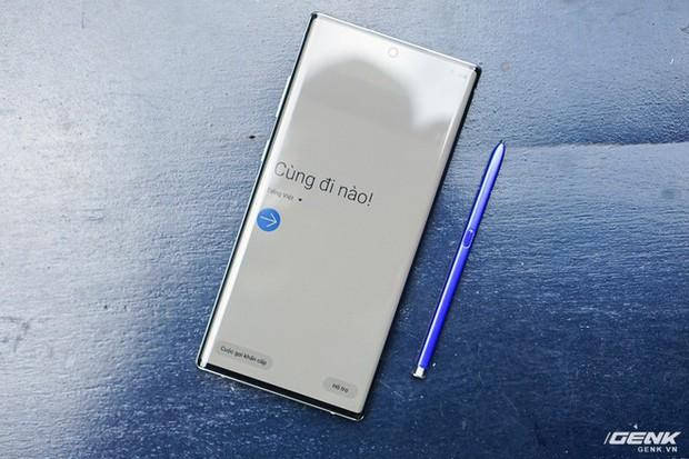 Mở hộp Galaxy Note10+ màu Ánh Cực Quang xem có gì mới mà dân tình trầm trồ đến vậy - Ảnh 18.