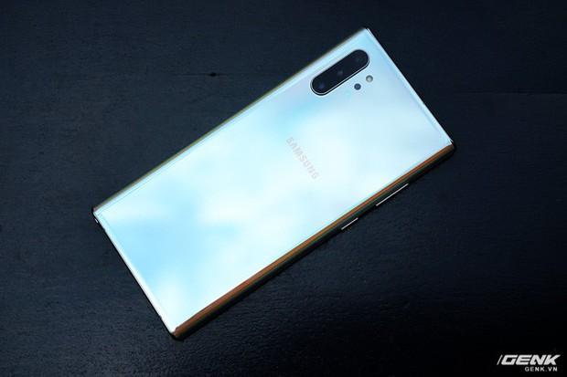 Mở hộp Galaxy Note10+ màu Ánh Cực Quang xem có gì mới mà dân tình trầm trồ đến vậy - Ảnh 22.