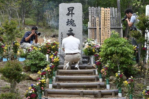Vụ tai nạn máy bay thảm khốc khiến hơn 500 người tử nạn ở Nhật Bản và cái cúi đầu xin lỗi của vợ cơ trưởng - Ảnh 11.
