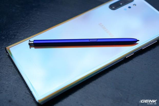 Mở hộp Galaxy Note10+ màu Ánh Cực Quang xem có gì mới mà dân tình trầm trồ đến vậy - Ảnh 24.