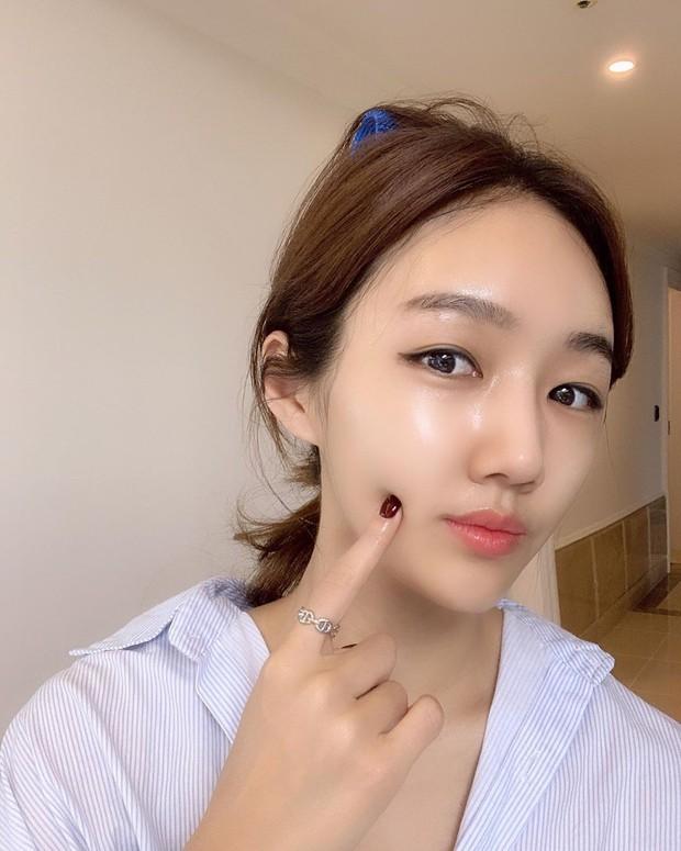 Hai chuyên gia gốc Hàn này sở hữu làn da siêu căng mịn và 5 bí kíp skincare bạn nên học hỏi ngay từ họ - Ảnh 4.