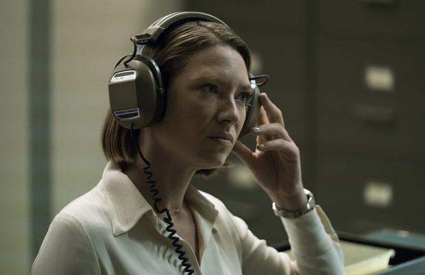 Mindhunter 2: Bù đầu đi bắt tội phạm nhưng chị cảnh sát vẫn đủ rảnh để cua bạn gái? - Ảnh 7.