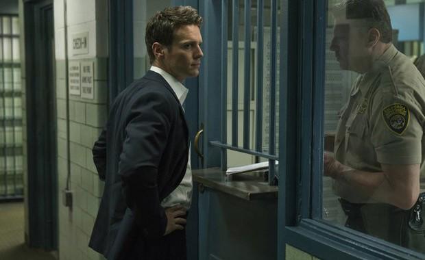 Mindhunter 2: Bù đầu đi bắt tội phạm nhưng chị cảnh sát vẫn đủ rảnh để cua bạn gái? - Ảnh 8.
