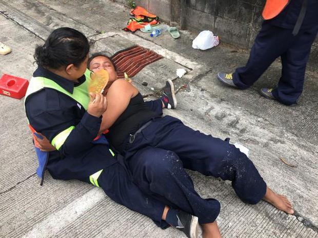 Ảnh: Hàng loạt vụ nổ rung chuyển Bangkok giờ cao điểm, ít nhất 3 người bị thương - Ảnh 8.