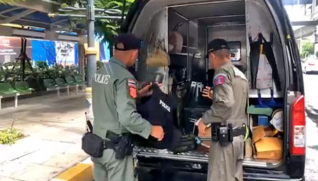 Ảnh: Hàng loạt vụ nổ rung chuyển Bangkok giờ cao điểm, ít nhất 3 người bị thương - Ảnh 3.