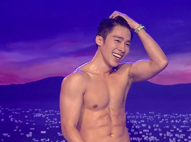 Dàn mỹ nam Thái thi nhau khoe body nóng bỏng trong show hát nhép! - Ảnh 10.