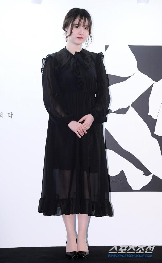 """Nghịch lý Goo Hye Sun: Cứ lên đồ """"lồng lộn"""" đi sự kiện thì già đau đớn, ảnh chụp sương sương lại trẻ như gái đôi mươi - Ảnh 4."""