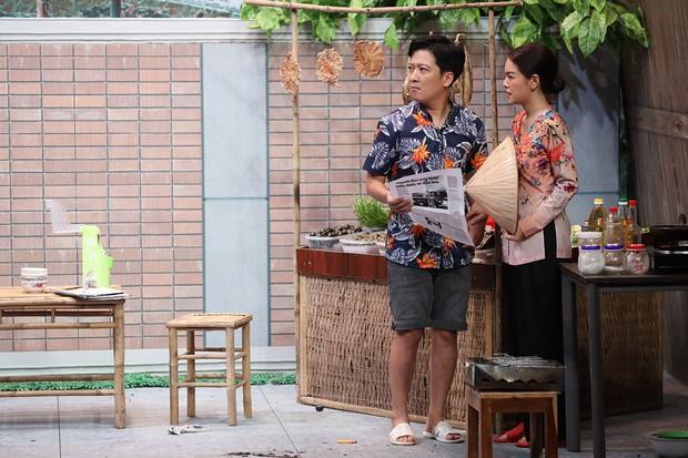Quang Trung vạch áo mát-xa cho Trấn Thành trên sóng truyền hình - Ảnh 6.