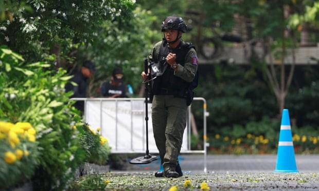 Ảnh: Hàng loạt vụ nổ rung chuyển Bangkok giờ cao điểm, ít nhất 3 người bị thương - Ảnh 2.