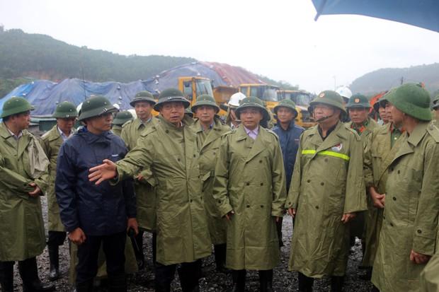 Phó Thủ tướng Trịnh Đình Dũng đi kiểm tra công tác phòng chống bão số 3 tại Quảng Ninh - Ảnh 1.