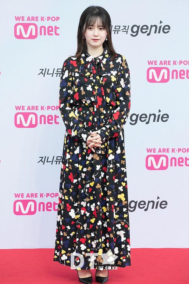 """Nghịch lý Goo Hye Sun: Cứ lên đồ """"lồng lộn"""" đi sự kiện thì già đau đớn, ảnh chụp sương sương lại trẻ như gái đôi mươi - Ảnh 2."""