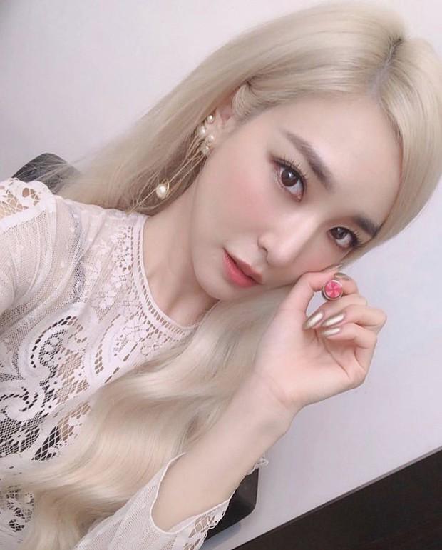 8 thành viên SNSD tụ họp hiếm hoi chúc mừng sinh nhật Tiffany, nữ thần Yoona giờ phải kiêng dè Seohyun và Tiffany về nhan sắc - Ảnh 5.
