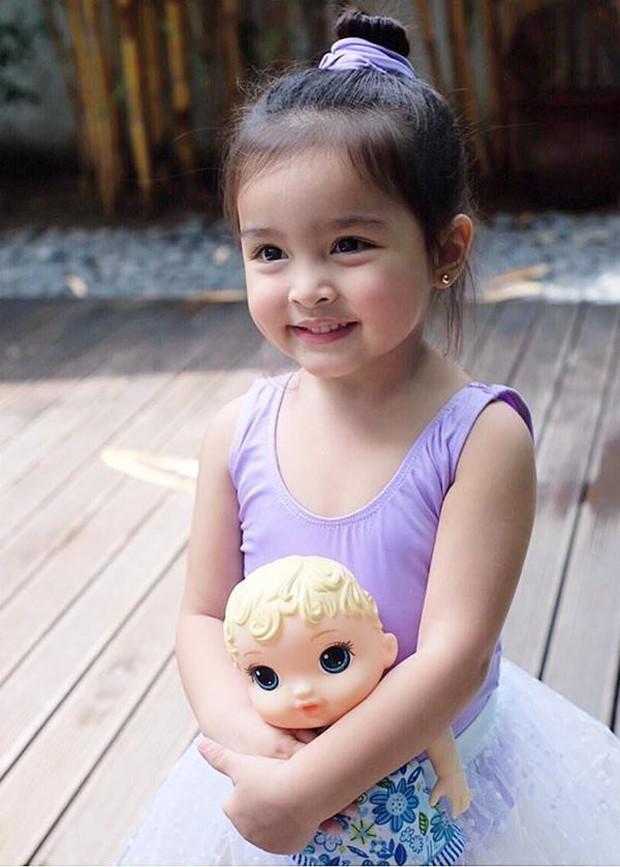 Góp mặt trong ảnh hậu trường, con gái mỹ nhân đẹp nhất Philippines được khen xinh hơn cả mẹ - Ảnh 6.