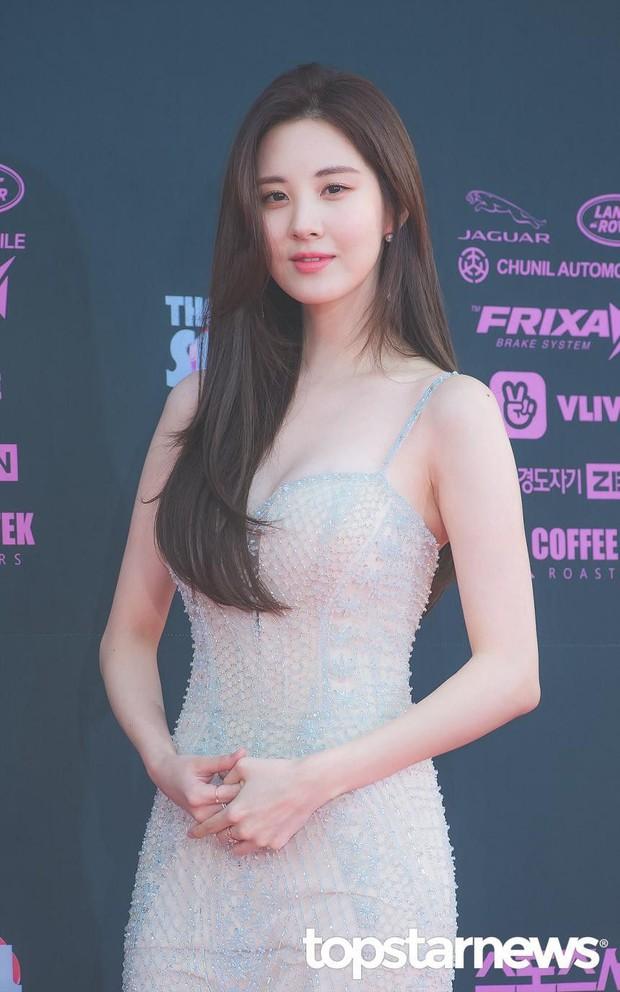8 thành viên SNSD tụ họp hiếm hoi chúc mừng sinh nhật Tiffany, nữ thần Yoona giờ phải kiêng dè Seohyun và Tiffany về nhan sắc - Ảnh 6.