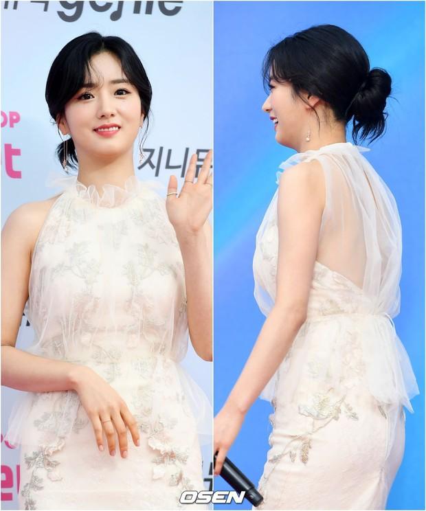 Siêu thảm đỏ hội tụ quân đoàn idol, diễn viên siêu khủng: Goo Hye Sun lạc quẻ, TWICE đọ tầm sexy chan chát với MAMAMOO - Ảnh 21.